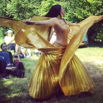 Raniya danst bij Wereldmuziek en dans festival Alkmaar