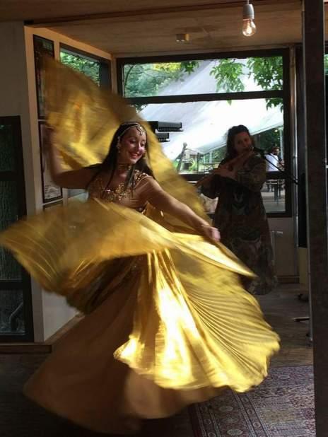 Raniya danst Mata Hari bij Manuscripta