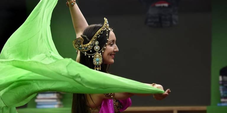 Raniya danst Mata Hari's Sluierdans